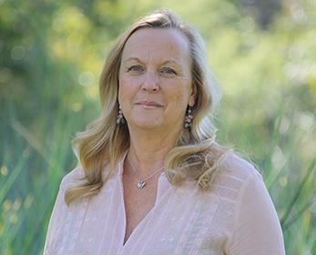 Dr Stephanie Meek