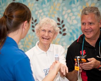We provide a holistic rehabilitation program incorporating both health education and exercise