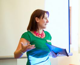 Alumni guest lecturer