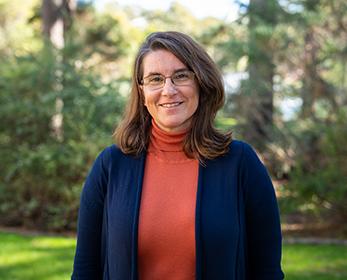 Dr Angela Juhasz