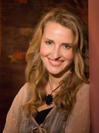Dr Elizabeth Reid Boyd