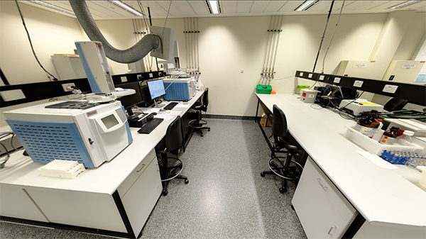 Science instrument room